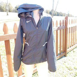 Nike Storm Fit Jacket Size Small